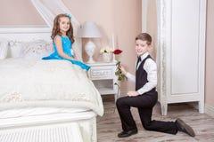 Ιστορία αγάπης παιδιών Στοκ φωτογραφίες με δικαίωμα ελεύθερης χρήσης