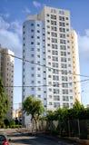 15-ιστορία νέο σύγχρονο κτήριο για το μίσθωμα για τους ηλικιωμένους μετανάστες Στοκ Φωτογραφίες