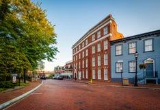 Ιστορικά κτήρια κατά μήκος του κρατικού κύκλου, σε στο κέντρο της πόλης Annapolis, του μΑ Στοκ φωτογραφία με δικαίωμα ελεύθερης χρήσης