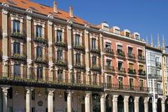 Ιστορικά κτήρια στην παλαιά κωμόπολη της πόλης Burgos Στοκ Εικόνα