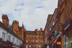 Ιστορικά κτήρια στις οδούς του κέντρου της πόλης του Δουβλίνου κοντά στο τ Στοκ εικόνα με δικαίωμα ελεύθερης χρήσης