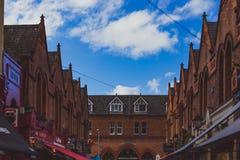 Ιστορικά κτήρια στις οδούς του κέντρου της πόλης του Δουβλίνου κοντά στο τ Στοκ Φωτογραφίες