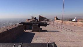 Ιστορικά πυροβόλα στο οχυρό Meherangarh σε Jodphur, Ινδία απόθεμα βίντεο