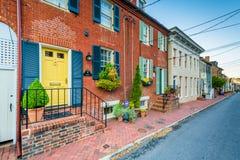 Ιστορικά σπίτια και μια οδός σε Annapolis, Μέρυλαντ Στοκ εικόνες με δικαίωμα ελεύθερης χρήσης