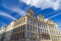 Ιστορικά σπίτια που βλέπουν από την τετραγωνική τετραγωνική Albertine Mont des Arts στην περιοχή στις Βρυξέλλες, Βέλγιο Στοκ Φωτογραφίες