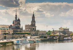 Ιστορική Δρέσδη στην προκυμαία Elbe ποταμών στοκ εικόνες με δικαίωμα ελεύθερης χρήσης