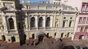 Ιστορική οικοδόμηση του γαμήλιου παλατιού στην Άγιος-Πετρούπολη απόθεμα βίντεο