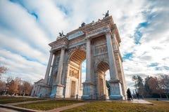 Ιστορικός μαρμάρινος Arco αψίδων ρυθμός della, πλατεία Sempione, Μιλάνο, Στοκ φωτογραφία με δικαίωμα ελεύθερης χρήσης