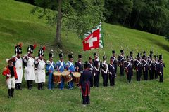 Ιστορικός ναπολεόντειος πιό granadier σε Aquila, Ελβετία στοκ φωτογραφία με δικαίωμα ελεύθερης χρήσης