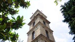 Ιστορικός πύργος ρολογιών στο Bursa απόθεμα βίντεο