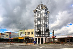 Ιστορικός πύργος ρολογιών Stratford κοντά στο ηφαίστειο Taranaki, Νέα Ζηλανδία στοκ φωτογραφία με δικαίωμα ελεύθερης χρήσης