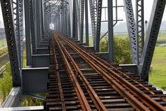 ιστορικός σίδηρος γεφυ&r Στοκ φωτογραφία με δικαίωμα ελεύθερης χρήσης