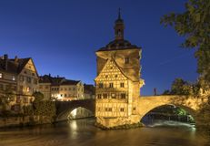 Ιστορικό Δημαρχείο της Βαμβέργης, Βαυαρία, Γερμανία, στην μπλε ώρα στοκ φωτογραφίες με δικαίωμα ελεύθερης χρήσης