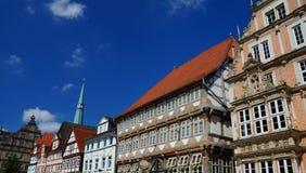 Ιστορικό κέντρο Hameln: ζωηρόχρωμος που χρωματίζεται τα μισό-εφοδιασμένα με ξύλα και κτήρια ύφους αναγέννησης Στοκ Εικόνα