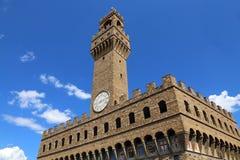 Ιστορικό κτήριο πύργων ρολογιών της Φλωρεντίας Ιταλία στο κύριο τετράγωνο Στοκ φωτογραφία με δικαίωμα ελεύθερης χρήσης