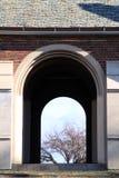Ιστορικό κτήριο του Σικάγου με την ανοικτή αψίδα Στοκ εικόνες με δικαίωμα ελεύθερης χρήσης