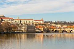 Ιστορικό μέρος καρτών άποψης της Πράγας πανοραμικό της πόλης της γέφυρας Karlov Στοκ φωτογραφίες με δικαίωμα ελεύθερης χρήσης