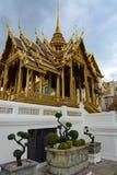 Ιστορικό περίπτερο Phra Thinang Aphorn Phimok Prasat στο μεγάλο παλάτι στη Μπανγκόκ, Ταϊλάνδη Στοκ Φωτογραφίες