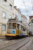 Ιστορικό τραμ στην πρωτεύουσα της Λισσαβώνας της Πορτογαλίας στοκ φωτογραφίες