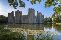 Ιστορικό Bodiam Castle και τάφρος στο ανατολικό Σάσσεξ στοκ φωτογραφίες με δικαίωμα ελεύθερης χρήσης
