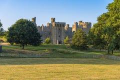 Ιστορικό Bodiam Castle και τάφρος στο ανατολικό Σάσσεξ στοκ φωτογραφίες