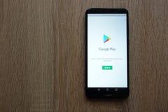 Ιστοχώρος παιχνιδιού Google που επιδεικνύεται στο smartphone Huawei Y6 2018 στοκ φωτογραφία με δικαίωμα ελεύθερης χρήσης