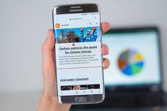 Ιστοχώρος της επιχείρησης της Shell στην τηλεφωνική οθόνη στοκ εικόνα