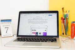Ιστοχώρος υπολογιστών της Apple που επιδεικνύει νέο iOS 10 Στοκ Εικόνες