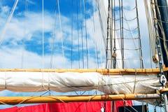 Ιστός, πανιά και σάβανο ενός ψηλού σκάφους Λεπτομέρεια ξαρτιών Στοκ φωτογραφία με δικαίωμα ελεύθερης χρήσης