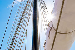 Ιστός, πανιά και σάβανο ενός ψηλού σκάφους Λεπτομέρεια ξαρτιών Στοκ Εικόνα
