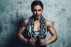 Ισχυρή αθλήτρια Στοκ Εικόνες