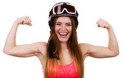 Ισχυρή γυναίκα με το φίλαθλο κράνος στοκ φωτογραφία με δικαίωμα ελεύθερης χρήσης