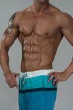 Ισχυρό Bodybuilder με έξι πακέτο Στοκ φωτογραφία με δικαίωμα ελεύθερης χρήσης