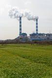 ισχύς φυτών άνθρακα καπνοδόχων Στοκ εικόνα με δικαίωμα ελεύθερης χρήσης