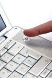 ισχύς lap-top κουμπιών στοκ εικόνα