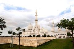 Ισλαμικό μουσουλμανικό τέμενος μνημείων κληρονομιάς ιστορίας στο Αμπού Νταμπί Στοκ Εικόνες