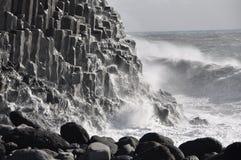 Ισλανδική ακτή - δυνάμεις της φύσης Στοκ φωτογραφίες με δικαίωμα ελεύθερης χρήσης