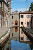 Ιταλία, Comacchio, κεντρικό κανάλι πόλεων Στοκ Φωτογραφίες