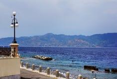 Ιταλία, Reggio di Calabria, αποβάθρα της Μεσογείου - Lungom στοκ εικόνες με δικαίωμα ελεύθερης χρήσης