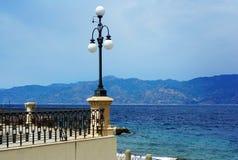 Ιταλία, Reggio di Calabria, αποβάθρα της Μεσογείου - Lungom στοκ φωτογραφία με δικαίωμα ελεύθερης χρήσης