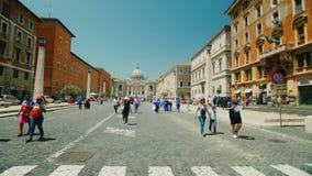 ΙΤΑΛΙΑ, ΡΩΜΗ, τον Ιούνιο του 2017: Άποψη της διάσημης εκκλησίας του ST Peter ` s στη Ρώμη steadicam πυροβολισμός απόθεμα βίντεο