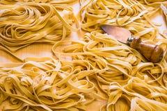 Ιταλικά ζυμαρικά Fettuccine χειροποίητα Στοκ Φωτογραφία
