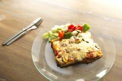 Ιταλική γαστρονομία αποκαλούμενη lasagna στοκ φωτογραφία