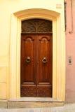 Ιταλική μπροστινή πόρτα Στοκ φωτογραφία με δικαίωμα ελεύθερης χρήσης