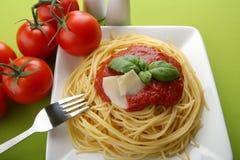 ιταλική ντομάτα σάλτσας ζυμαρικών παρμεζάνας Στοκ Εικόνες