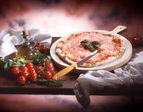 ιταλική πίτσα παραδοσια&kapp Στοκ εικόνα με δικαίωμα ελεύθερης χρήσης
