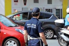 Ιταλικός αστυνομικός στην ομοιόμορφη οδική κυκλοφορία ελέγχου Cit Στοκ Εικόνα
