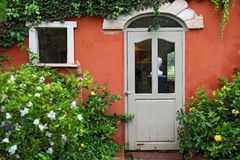 ιταλικό παράθυρο ύφους π&omi Στοκ Φωτογραφίες
