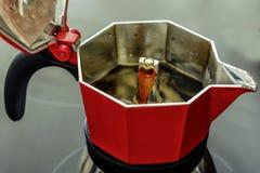 Ιταλικό ύφος κατασκευαστών καφέ - Moka στοκ εικόνες