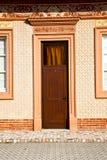 Ιταλία Λομβαρδία στο παλαιό παράθυρο πορτών εκκλησιών του Μιλάνου Στοκ Εικόνες